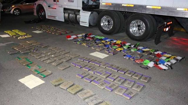 PGR BCS inicia investigación contra una persona por transportar metanfetamina y cocaína