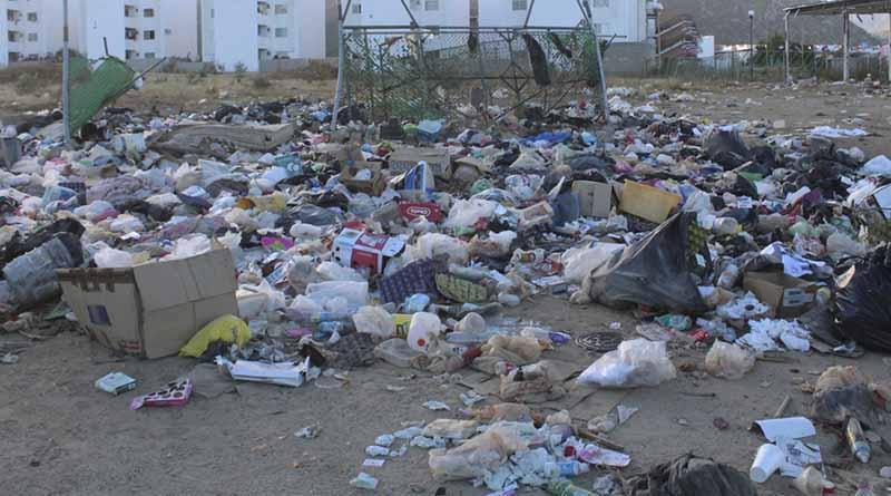 Denuncian vecinos de Puerto Nuevo, acumulación de basura