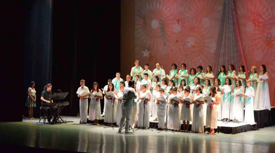 Ofreció Coro Polifónico de Los Cabos su concierto navideño