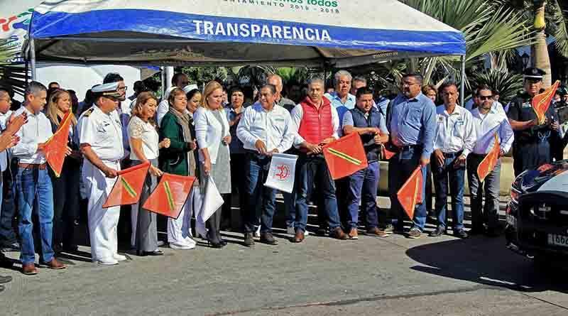 """Presenta Gobierno de Los Cabos """"Operativo Navideño 2016"""""""