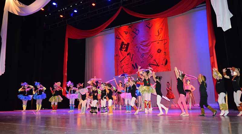 """Música, danza y coloridos vestuarios presentan """"Circo Ballet"""" en el Pabellón Cultural"""