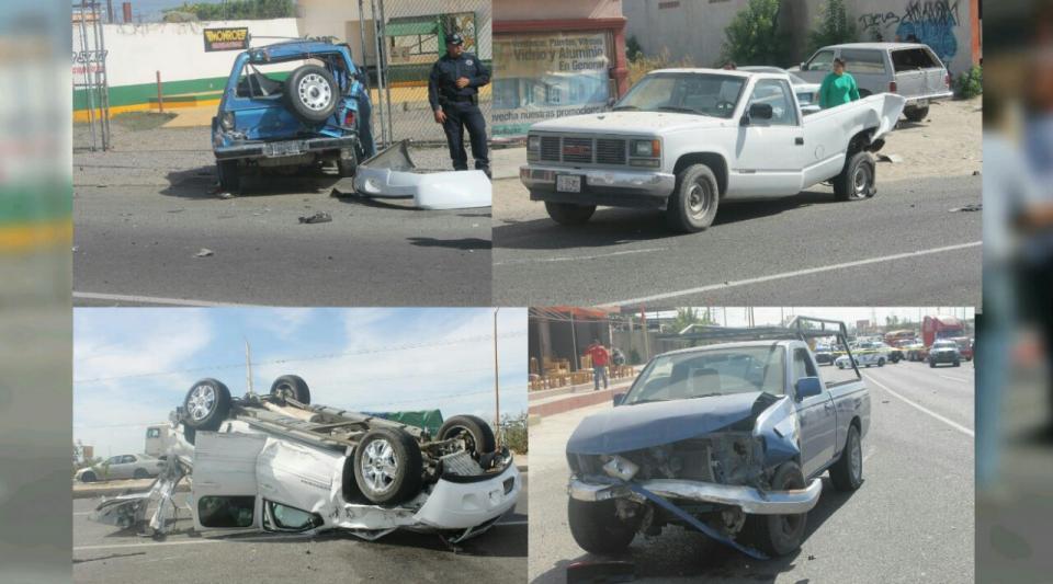 Choque entre automóviles en avenida Forjadores La Paz; uno de ellos volcó
