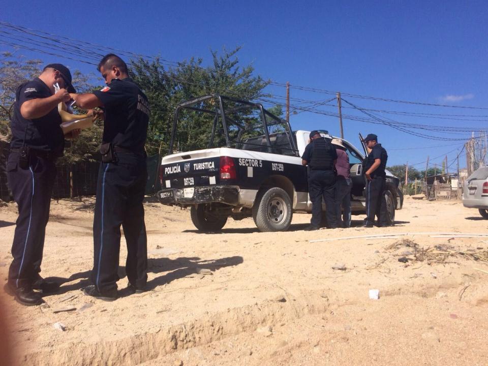 Detienen a sujeto intentando conectarse a toma clandestina de agua en Caribe Bajo