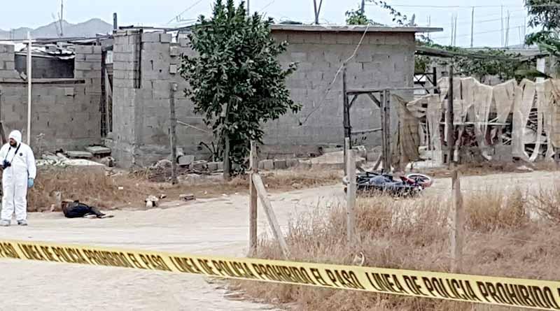 Asesinan a balazos a motociclista en La Ballena