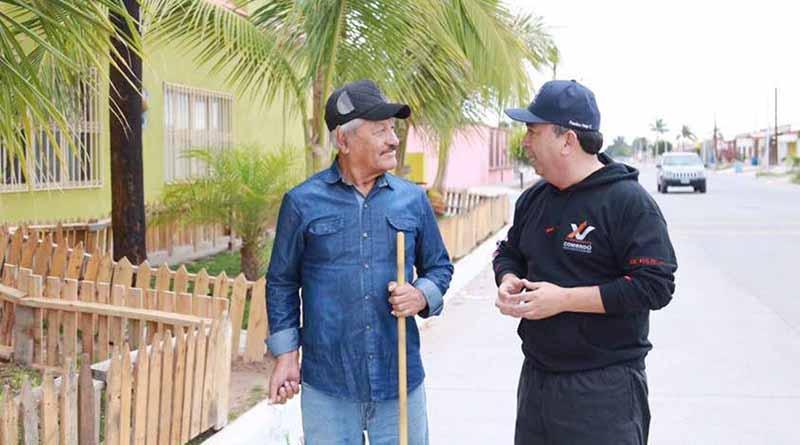 Motiva Alcalde Francisco Pelayo a  Quienes Limpian Frente de su Casa