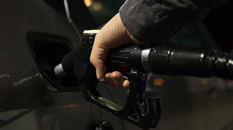 Gobernadores y Hacienda dialogarán sobre alza en gasolinas
