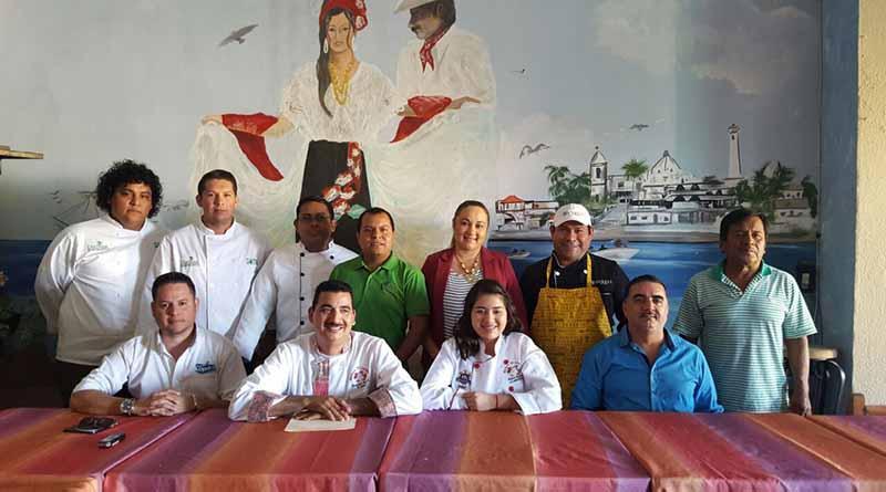 Mariscos El Jarocho va por rosca de Reyes de 600 metros