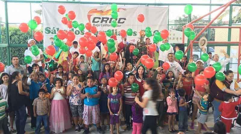 Lleva CROC alegría a cientos de niños con Sábado Familiar Navideño
