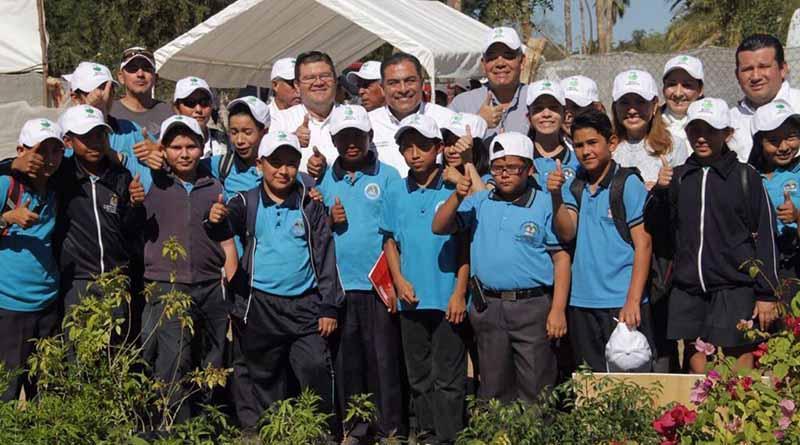 Inaugura Alcalde Arturo de La Rosa Vivero Municipal