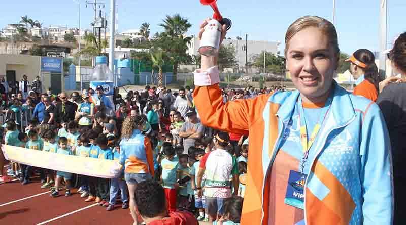 Encabeza Vianey Núñez mini Maratón Los Cabos 2017