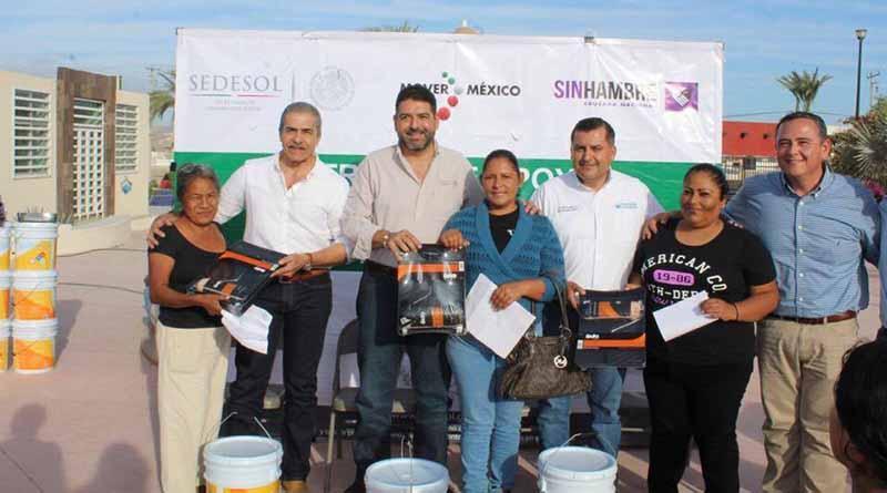 El XII Ayuntamiento de Los Cabos y SEDESOL hacen entrega de apoyos en el municipio