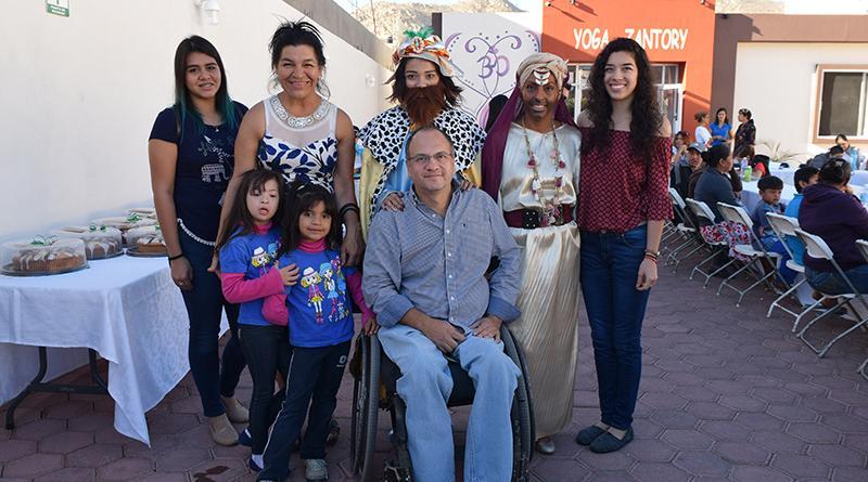 Instituto Municipal de atención a personas con discapacidad celebra día de reyes en CSL