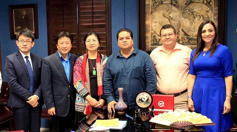 Establece Gobierno Municipal buena relación con consulado de china