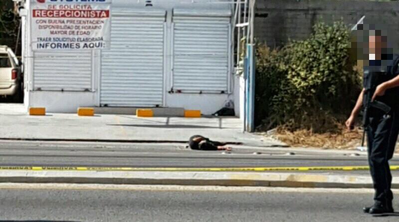 Acribillan camioneta en San José del Cabo; dos muertos