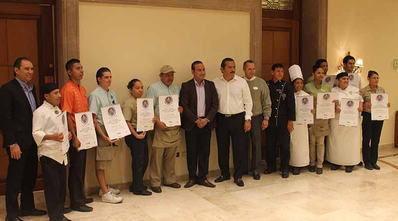 SECTURE entrega nuevos distintivos H. a hoteles de Los Cabos