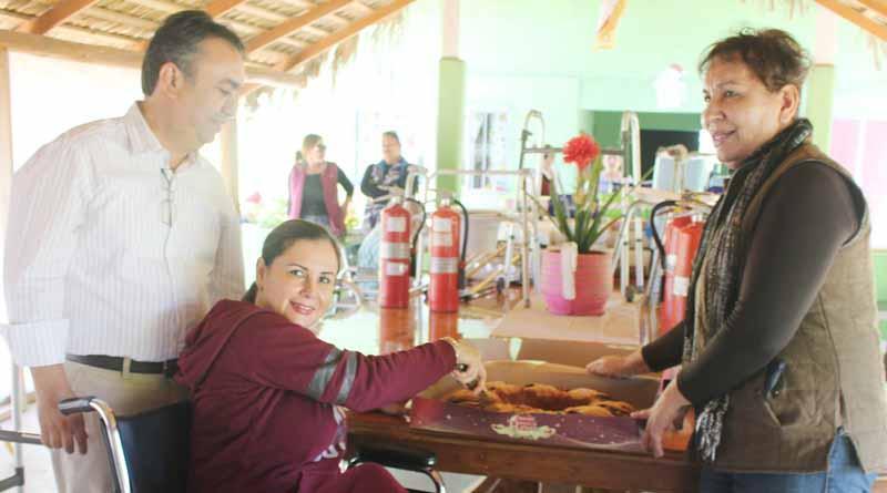 Entrega Alcalde Francisco Pelayo Apoyos a Casa Hogar alborada