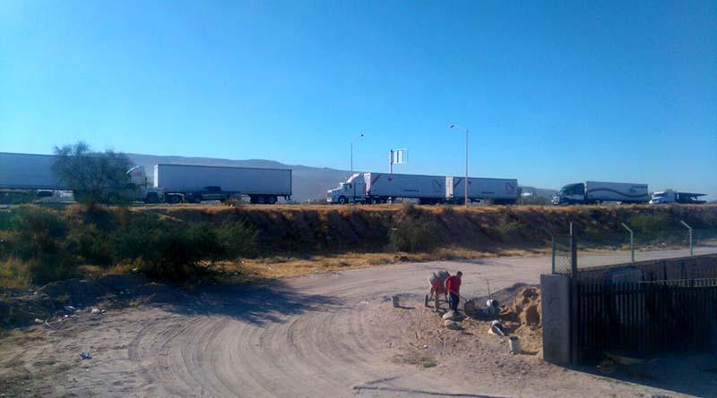 Recrudecen bloqueos carreteros en La Paz contra gasolinazo