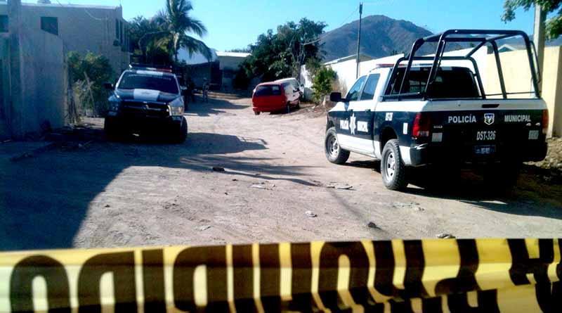 Encuentra hombre muerto por golpes en la cabeza cerca del panteón en Santa Rosa