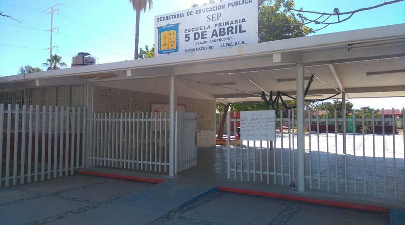 Roban 120 metros de cableado en escuela primaria 5 de Abril de La Paz y suspenden labores
