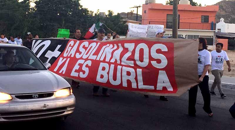 Los Cabos y La Paz alzan la voz contra gasolinazo de manera pacífica y sin bloqueos