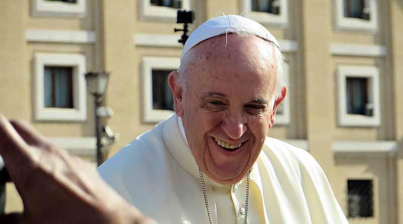 Papa Francisco, cerca de afectados por mortal avalancha en el centro de Italia