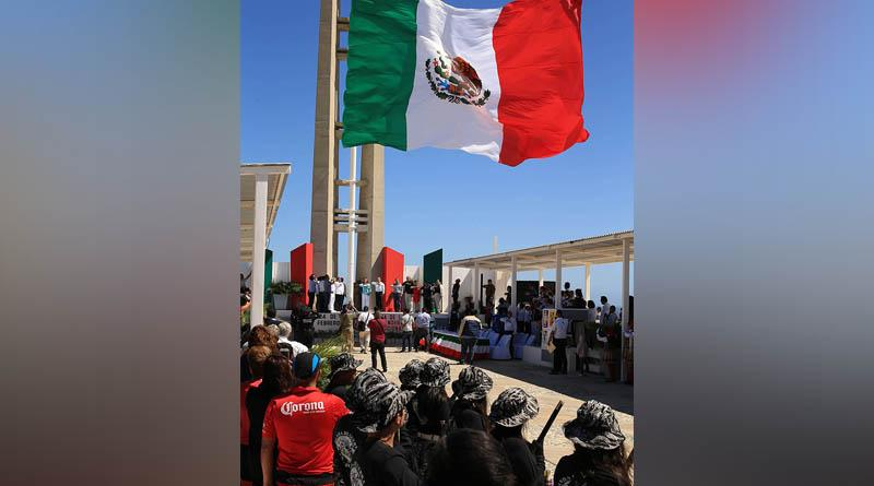 Encabeza alcalde Arturo de La Rosa actividades por el día de la bandera nacional