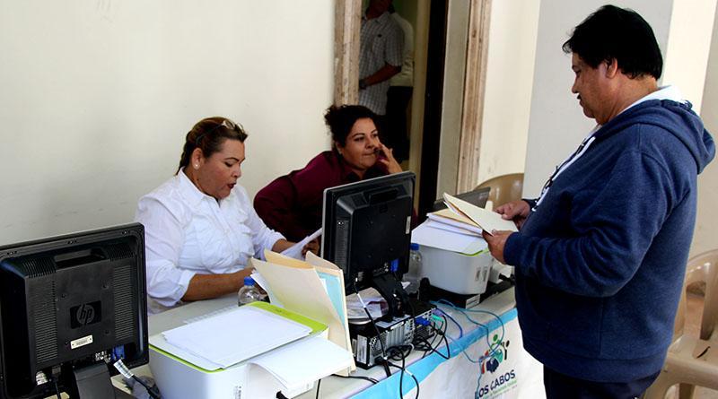 Exhorta y facilita Gobierno Municipal realizar refrendos de giros comerciales