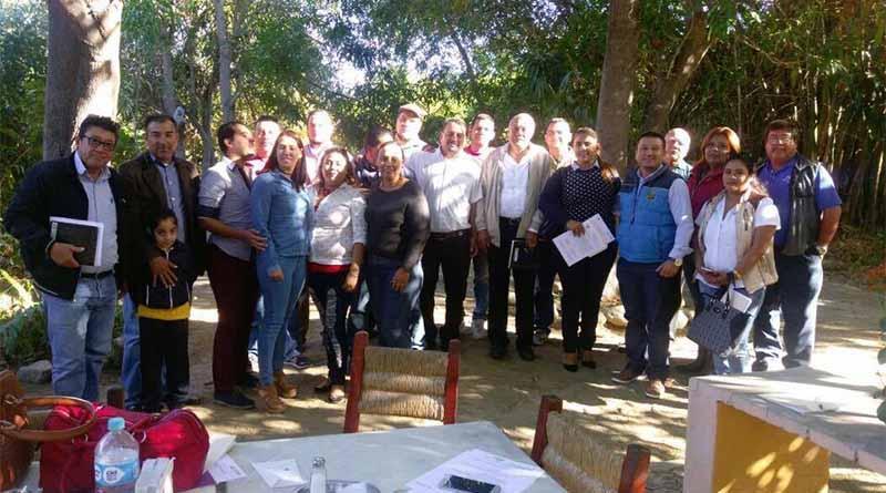Delegado de Santiago se reúne con el sector educativo