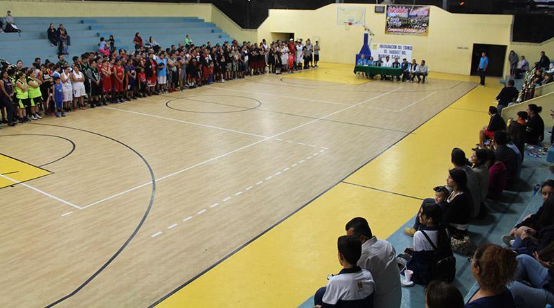 """Inició el torneo de básquetbol """"Mauricio Ojeda"""" 2017"""