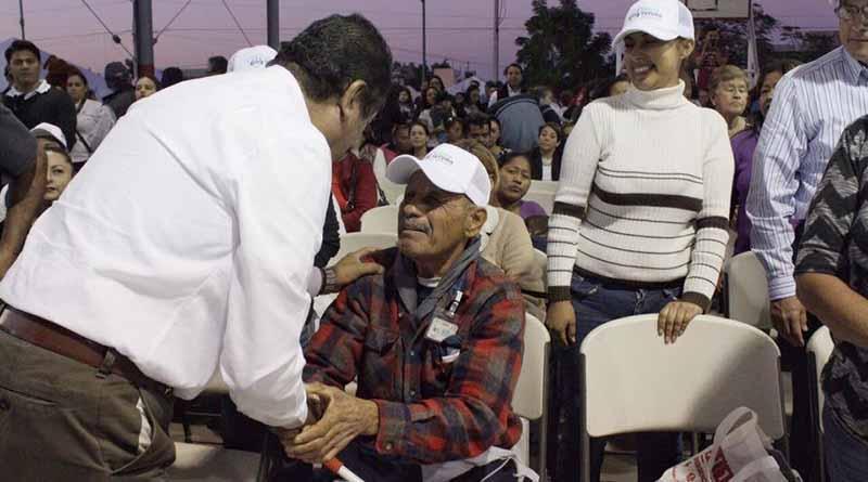 Abandera Alcalde Francisco Pelayo a Sec. Luis Donaldo Colosio