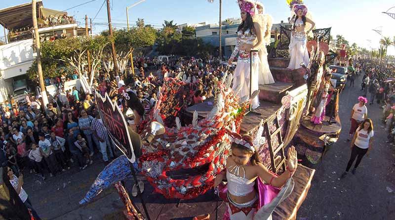 Con gran éxito  inicia el primer día de desfile del  Carnaval 2017