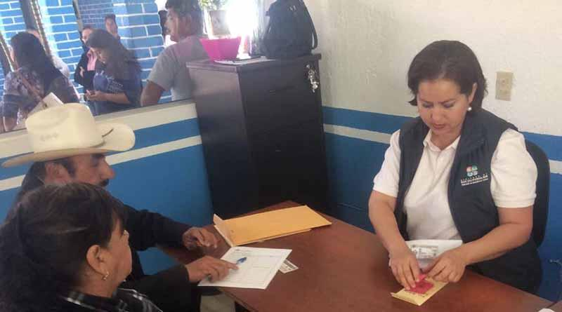 Lleva SEDESO programa alimentario a comunidades rurales de La Paz