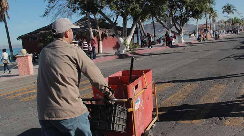 Personal de Servicios Públicos trabaja en la limpieza del Carnaval