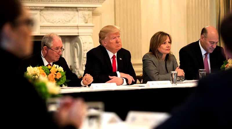 EUA suspende acciones ejecutivas de prohibición migratoria