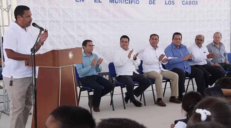 Con nuestras políticas de austeridad y de la mano con el gobierno del estado entregaremos más obras: Arturo de La Rosa
