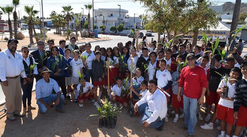 """Continúa el programa """"plantando el cambio"""" en la delegación de Cabo San Lucas"""