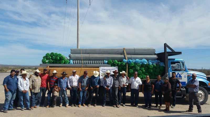 Reciben productores paceños beneficios del PESA