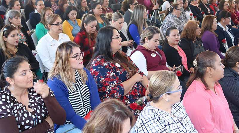 Mujer pilar de la educación en sudcalifornia: Héctor Jiménez