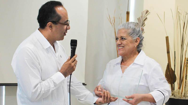 Mujeres trabajadoras son fortaleza para los Servicios de Salud en BCS: George Flores