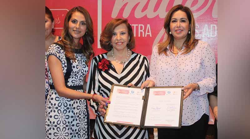 Se firma alianza de mujeres contra las adicciones