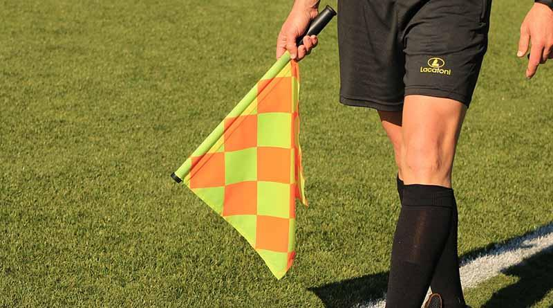 PSG envía queja por árbitro de partido contra FC Barcelona