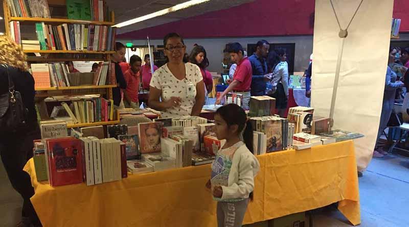 Escritores, homenajes y cientos de historias en el 1er Día de la Feria Sudcaliforniana del Libro y la Lectura Los Cabos