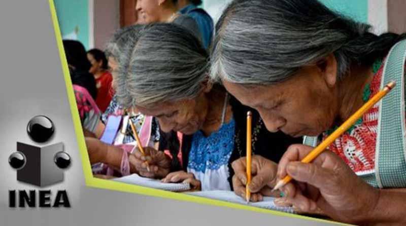 En el INEA no hay imposibles para quienes desean iniciar o continuar su educación