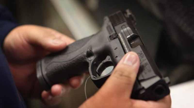 PGR vincula a proceso a 2 personas aseguradas con armas de fuego