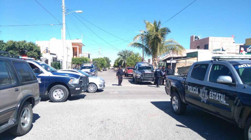 Golpean a dos policías en la colonia El Progreso, en La Paz