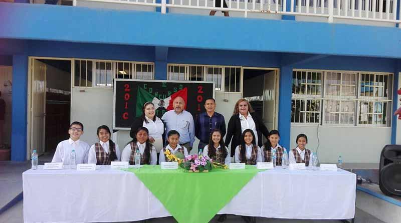 Alumnos de la Secundaria 36 presentan Mini Conferencia ante padres de familia
