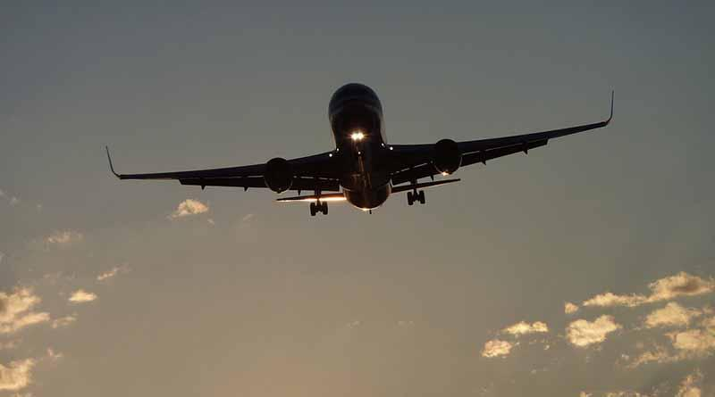 Decenas de vuelos cancelados por huelga de controladores franceses