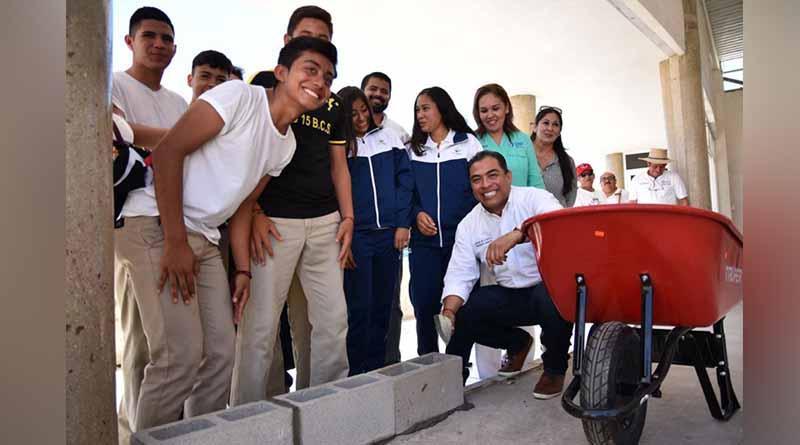 Encabeza alcalde de los cabos inicio de la obra de rehabilitación en Instituto del Deporte