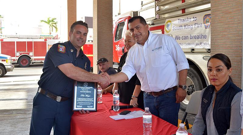 XII Ayuntamiento de Los Cabos colabora para traer donativo a bomberos