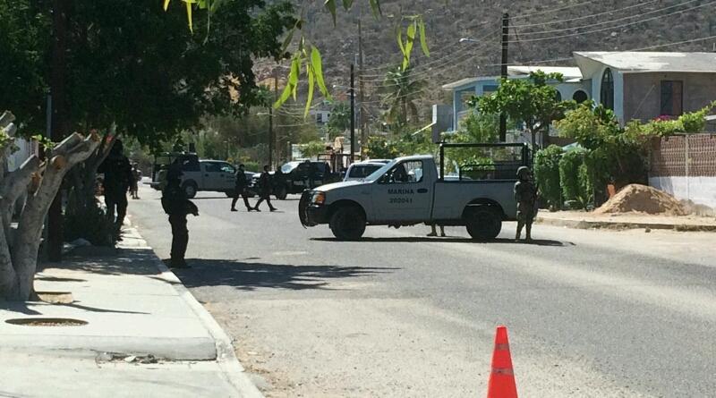 Realizan cateo en La Paz y aseguran armas y droga, un detenido